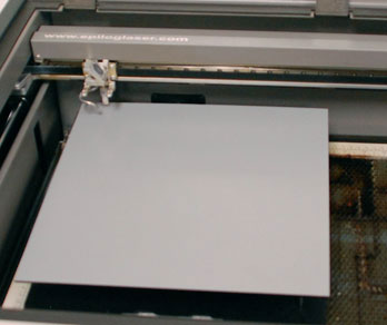 Mirror in the laser for cutting.