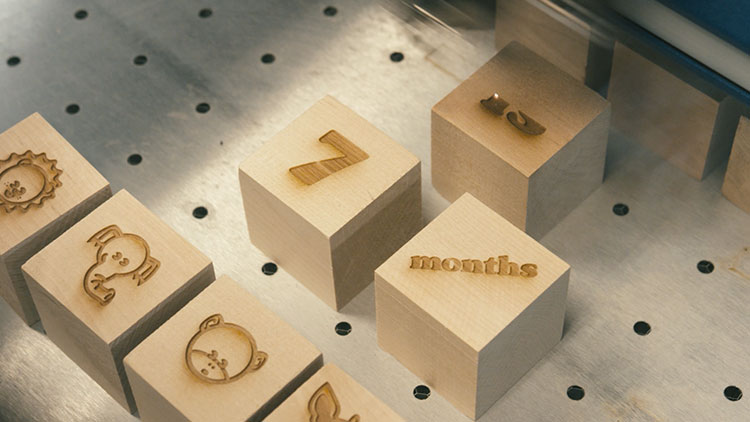 laser engraving wooden baby blocks